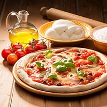 Pizza Margherita in 4 Easy Steps image